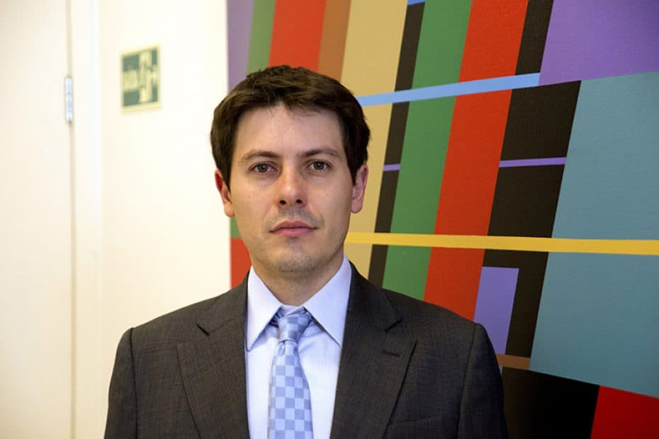Dr. Fernando Campos Moraes Amato