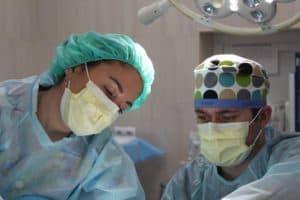 Médico cirurgião vascular